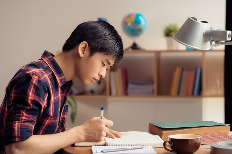 Image of 5 Tips for studying when you are working