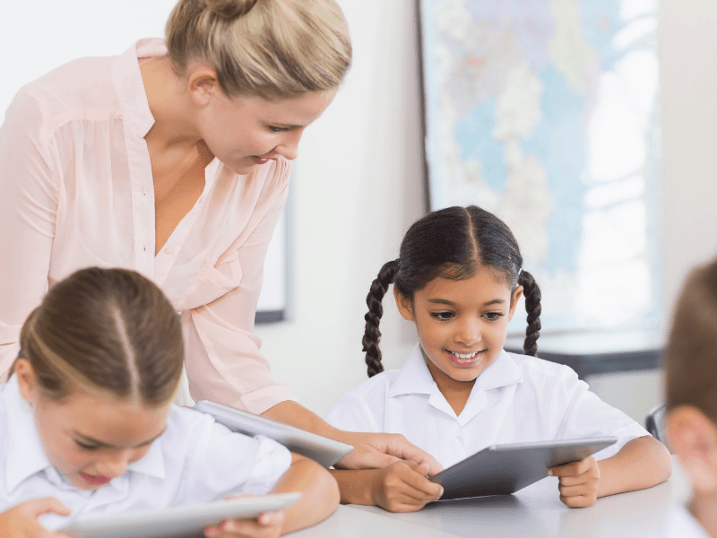 Image of How to become a Teaching Assistant - start a new career like student Sue